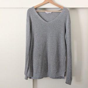 Everlane Cotton V-neck Sweater
